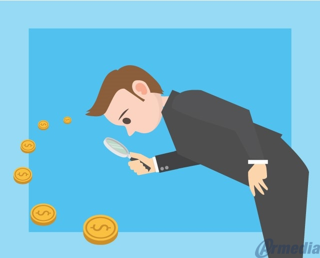 Tracking expenses with legal case management software